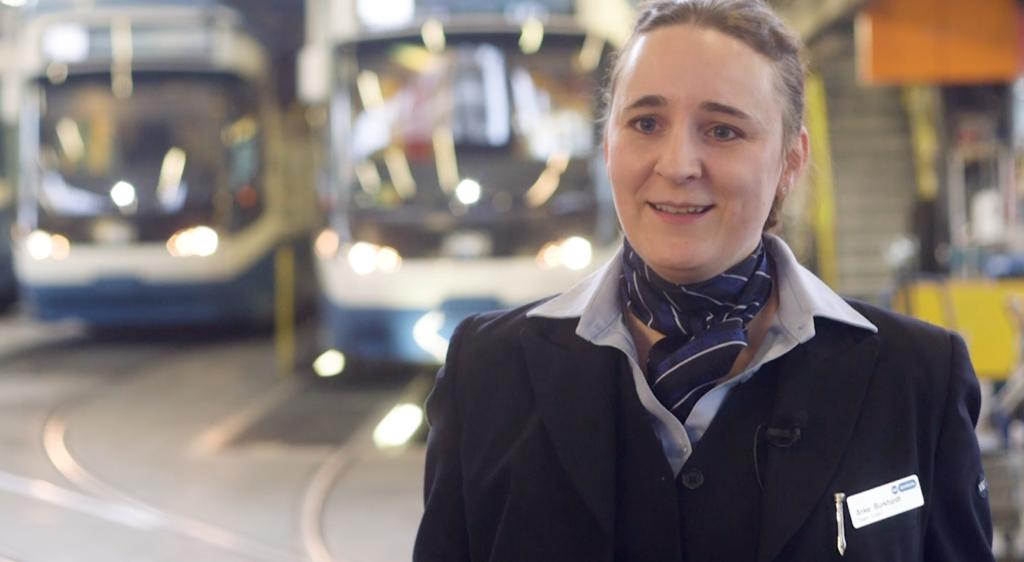 Anke Burkhardt gibt Einblicke in das Berufsleben von Trampilotinnen- und Piloten