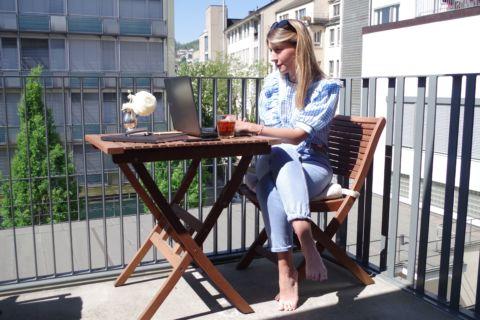 Jessica Frei auf dem Balkon statt beim Sechseläute